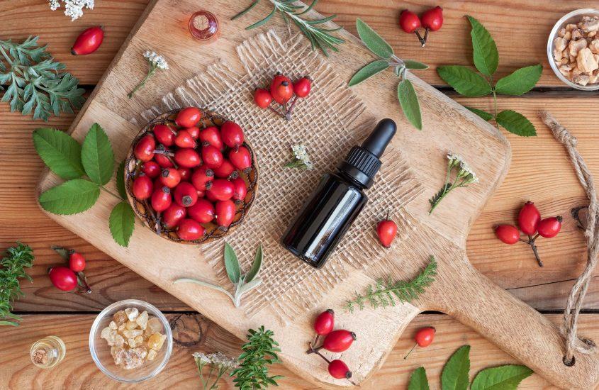 Olio di Rosa mosqueta: l'olio che fa bella la pelle