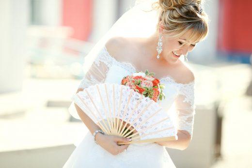 sposa ventaglio afa caldo estate